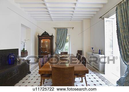 Banque De Photo Chypre Salle Manger De Style Colonial