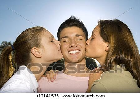 Один парень и много девушек фото онлайн