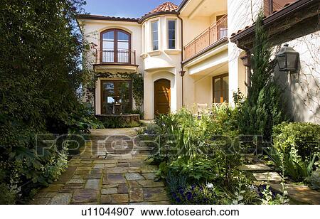 Immagine fronte esterno di spagnolo casa con - Finestra in spagnolo ...