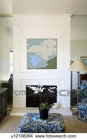 Banque de photo salle de s jour chemin e bleu for Salle de sejour bleu