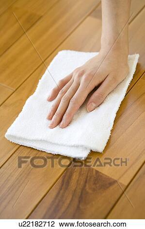 Stock foto hand putzen a boden u22182712 suche for Boden putzen