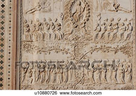 Banque d 39 images d tail de pierre sculpt bas relief pierre sculpt - Plaque de facade exterieur ...