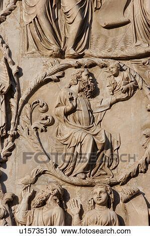 Banques de photographies d tail de pierre sculpt bas relief pierre s - Plaque de facade exterieur ...