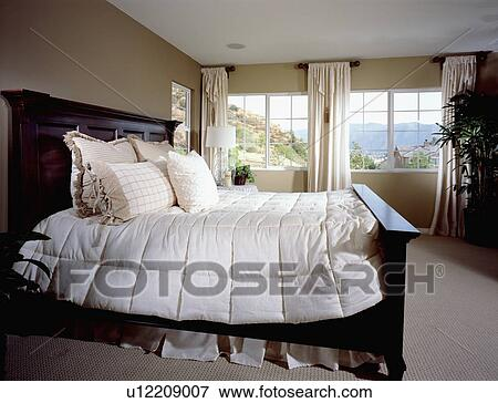 Picture of master bedroom with large bed u12209007 for The master bedroom print