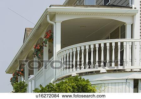 Archivio fotografico vista da esterno portico for Progetti di portico anteriore