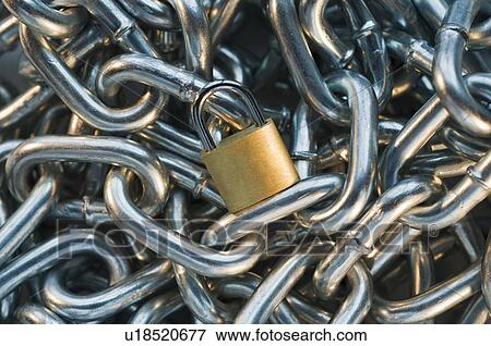Picture Of Close Up Of Lock On Pile Of Metal Chain U18520677 Search Stock Photography Photos