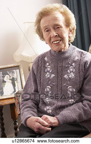 Любительское фото пожилых женщин
