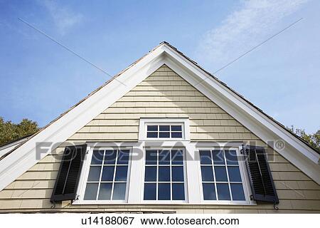image pignon de maison close up chatham new jersey usa u14188067 recherchez des. Black Bedroom Furniture Sets. Home Design Ideas