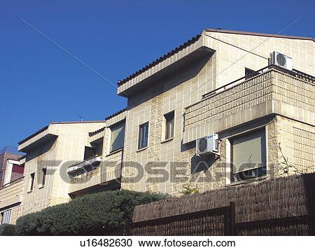 Banques de photographies b timent b timents architecture architecture moderne fen tre for Fenetres maison moderne