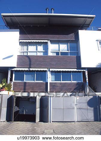Banque de photo b timent b timents architecture architecture moderne fe - Fenetre moderne maison ...