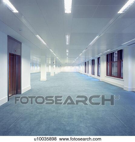 images abandonn int rieur de bureau b timent u10035898 recherchez des photos des. Black Bedroom Furniture Sets. Home Design Ideas