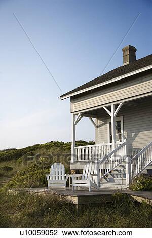 Archivio fotografico costiero casa con veranda e for Disegni ponte veranda