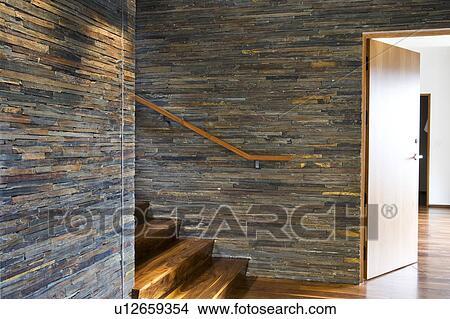 coleccin de foto madera dura starcase con piedra azulejo paredes