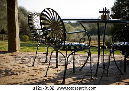 Patio disegno veranda : Archivio Fotografico - ferro battuto, mobilia patio u12573582 - Cerca ...