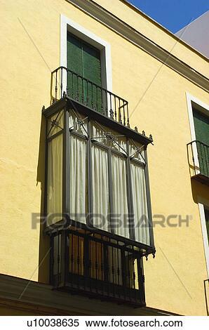 Banque d 39 image espagne espagnol b timent balcon for Fenetre balcon