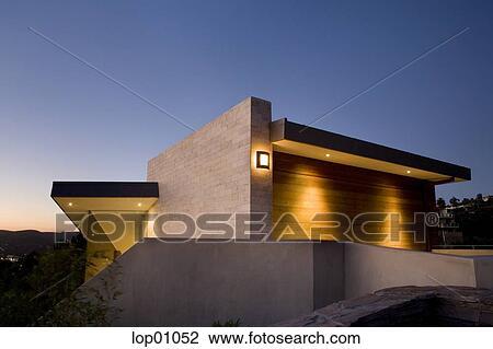 coleccin de foto luces en exterior casa por la noche