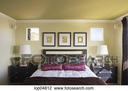 Arkivfoto - cozy, soverom, med, rosa, puter. Fotosearch - S?k ...