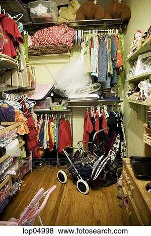 Pictures Of Unorganized Childrens Closet Lop04998 Search
