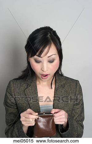 changing image of asian women But at 5 feet 5 inches and 140 pounds, kim is still more than 25 pounds lighter than the average american woman and has a body mass index of 233 the fact that if more obesity statistics took into account different cutoffs for different populations, the picture of asian and asian-american health might look.