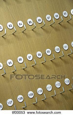 archivio fotografico ganci per chiavi in albergo tlf00053 cerca archivi fotografici. Black Bedroom Furniture Sets. Home Design Ideas