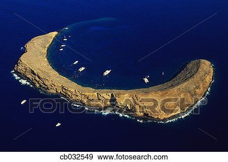 Stock photograph of crescent shaped molokini island cb032549 search