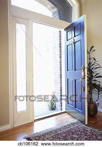 Banque de photo porte ouverte dans maison cb106162 for Porte ouverte maison
