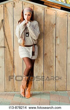 Woman Is On Young Inclined Wall Attractive Posing Wooden PkiOTXZu