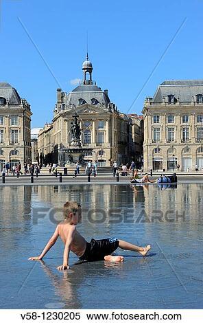 France Gironde Bordeaux World Heritage Site Miroir D Eau Water Mirror And Place De La Bourse Stock Photography