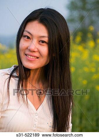 Good looking chinese girls