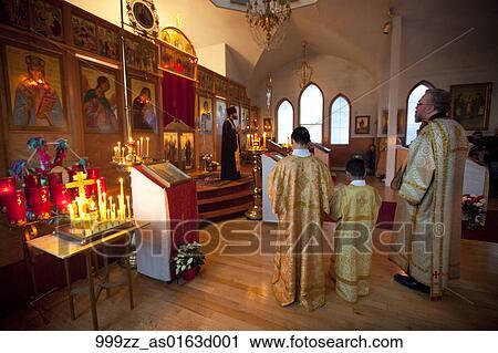 Weihnachten Orthodox.Pfarrer Gibt Predigt An Dass Russisch Orthodox Weihnachten Service In Januar Heilig Auferstehung Russische Orthodoxe Kirche Kodiak