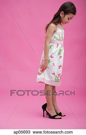 Young girl in heels pics 317