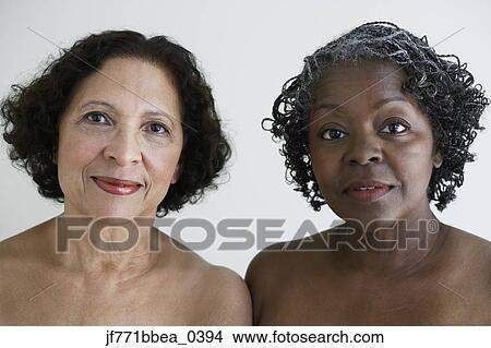 banque de photo deux personne agee africaine femmes paules nues jf771bbea 0394. Black Bedroom Furniture Sets. Home Design Ideas
