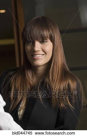 Stock Bild Junge Frau Mit Langen Haaren Bld044745 Suche