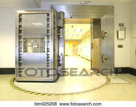 Ouvert, chambre forte banque, porte Banque de Photo | blm025208 ...