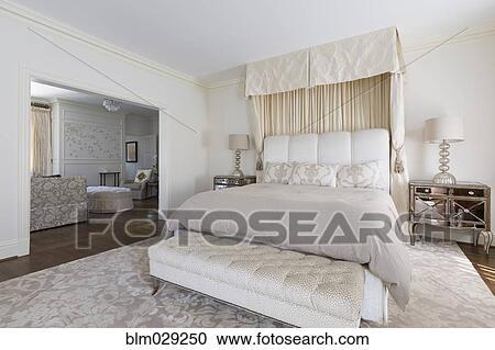 Ongekend Bankje, en, bed, in, sierlijk, slaapkamer Stock Afbeelding JC-08