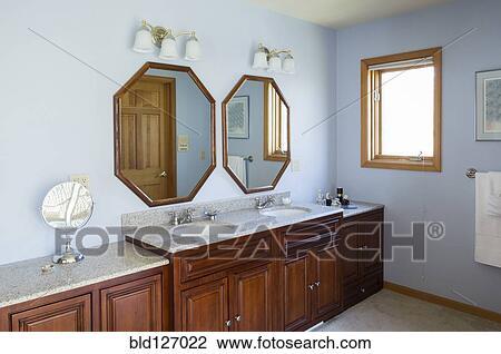 Fregaderos, y, espejos, en, maestro, cuarto de baño Colección de imágen