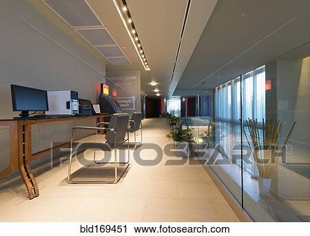 Banques de photographies vide bureaux dans moderne bureau