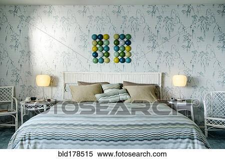 Verbazingwekkend Bed, en, muur, kunst, in, hippe, slaapkamer Stock Fotografie OO-39