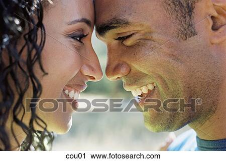 ストックイメージ - ボーイフレンド, アフリカ, 黒, アメリカ人, アフリカ系アメリカ人, 情愛が深い. Fotosearch