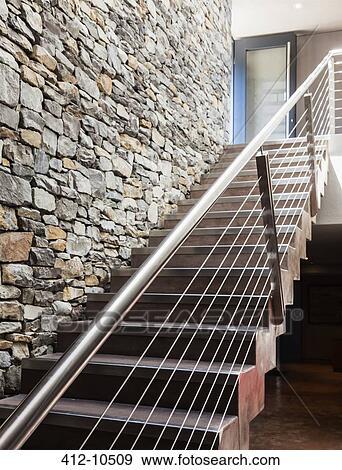 Mur pierre, et, moderne, escalier Banque de Photo | 412-10509 ...