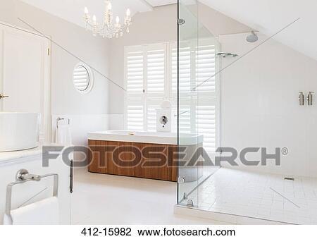 Kronleuchter, hinüber, einweichen, wanne, in, modernes, badezimmer Stock  Bild