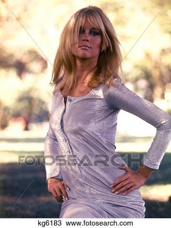 Stock Foto 1970 1970s Sexy Frau Madchen Silber Blau Lahm