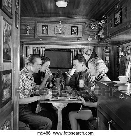 Banque d\'Images - 1940, 1940s, caravane, intérieur, voyage, touriste ...