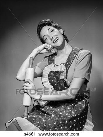 Stock Fotografie 1950 1950s Frau Als Hausfrau Tragen