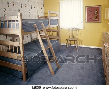 Gele Muur Slaapkamer : Stock fotografie slaapkamer van het kind bunkbeds blauwe