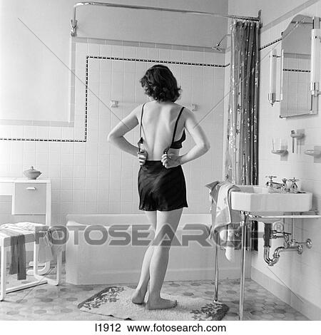 Banque de photo 1930s arri re affichage de femme for Salle de bain 1930