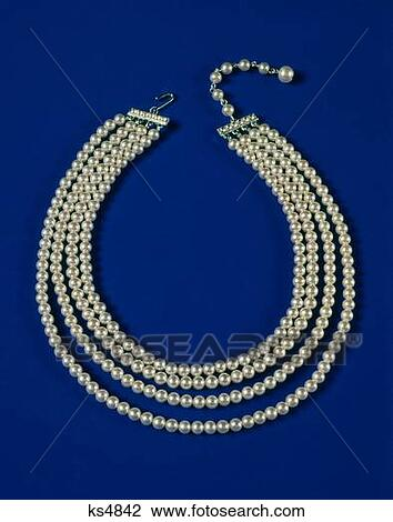 Strand Of Pearls Clipart