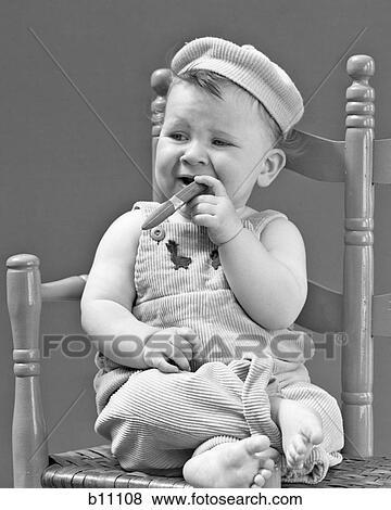 Baby Zitten Stoel.1940s 1950s Baby Zitten Stoel Vasthouden Sigaar Het Kijken