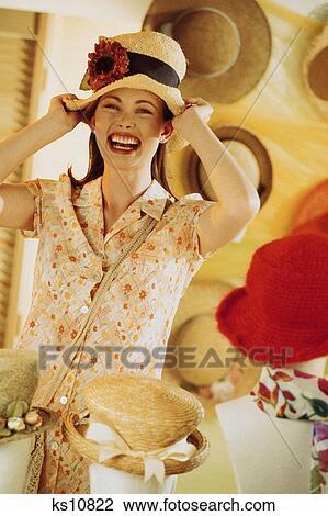 Zoek Kleding.Stock Foto Consumer Generatie Kleding Kleren Kleding Consument