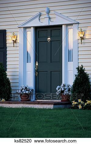 Banques De Photographies   Immobilier: Construire U0026 Restaurer, Porte, Entrée,  Maison, Maison, Lumières